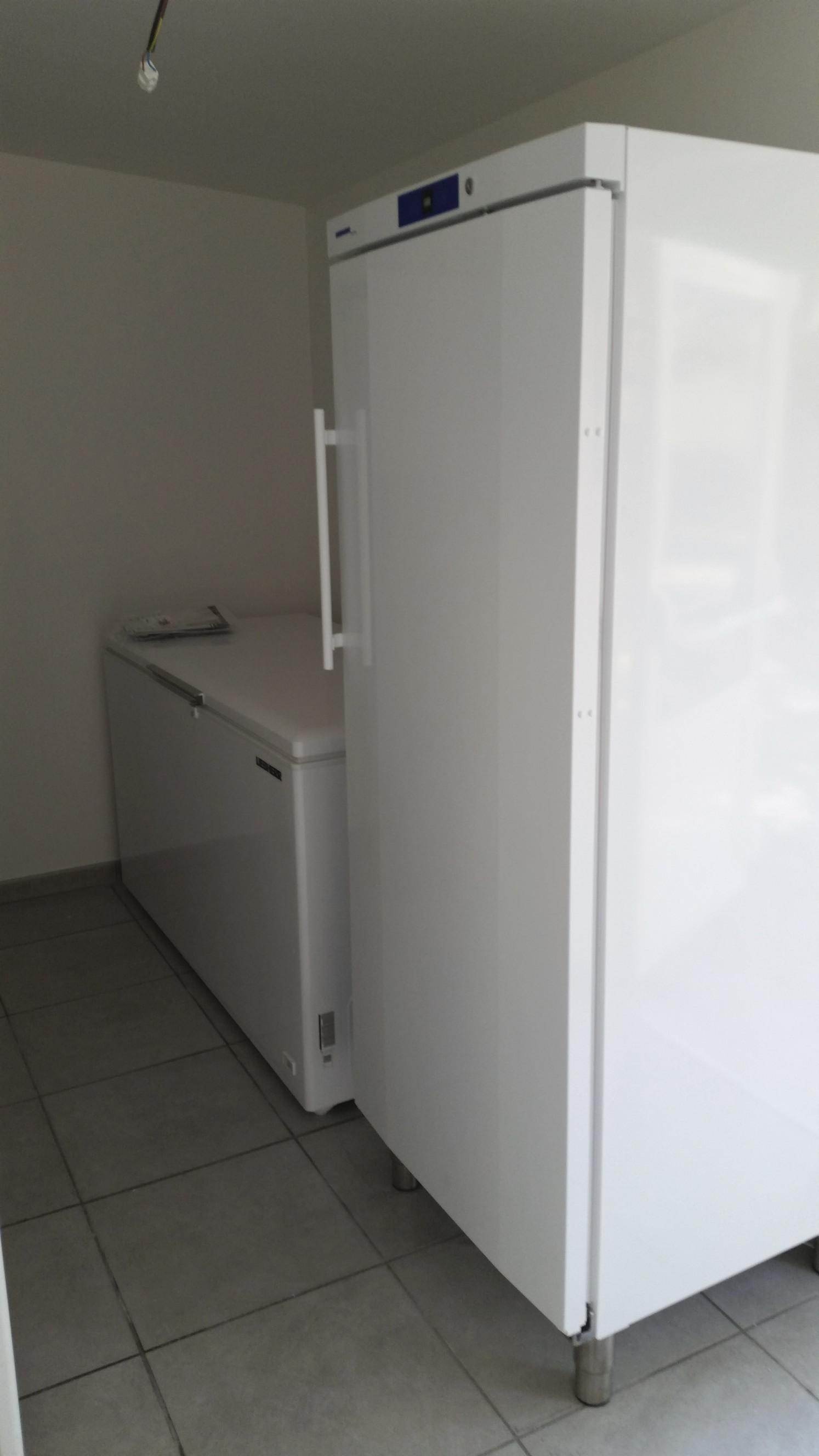 installation d'armoires de cuisine réfrigérateur