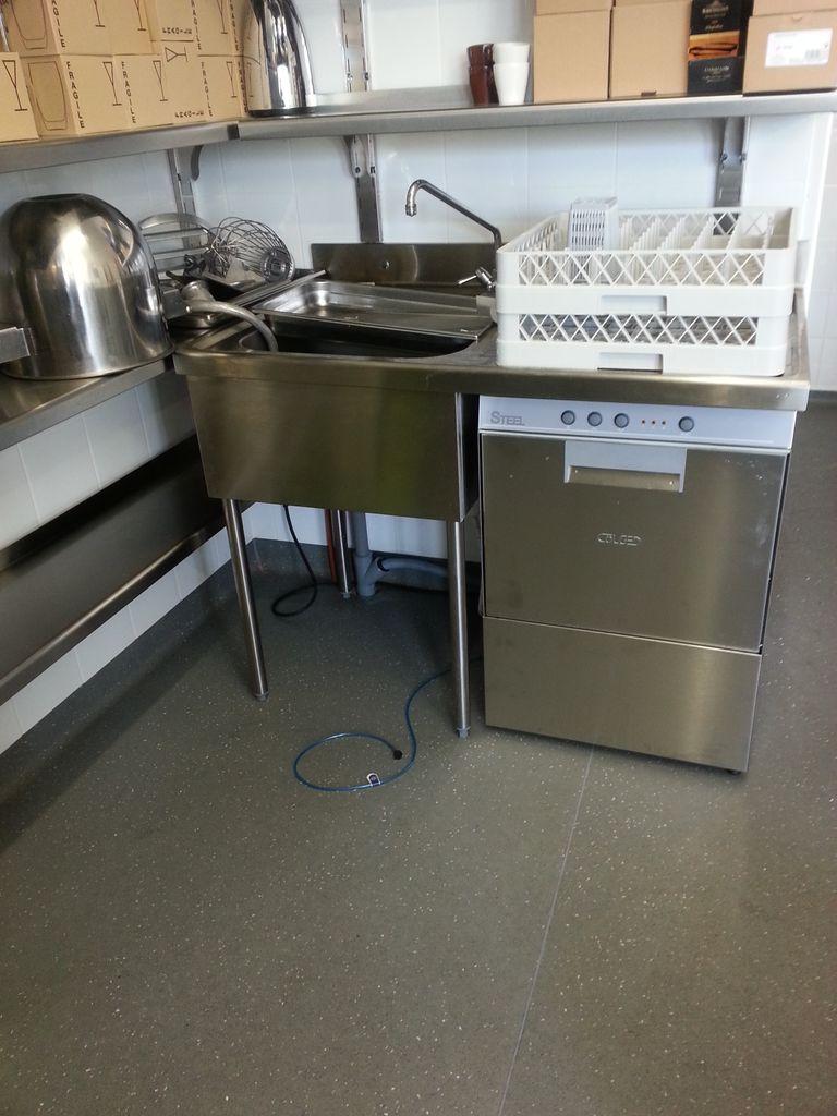 Darmac zone de laverie en cuisine professionnelle for Plonge cuisine professionnelle